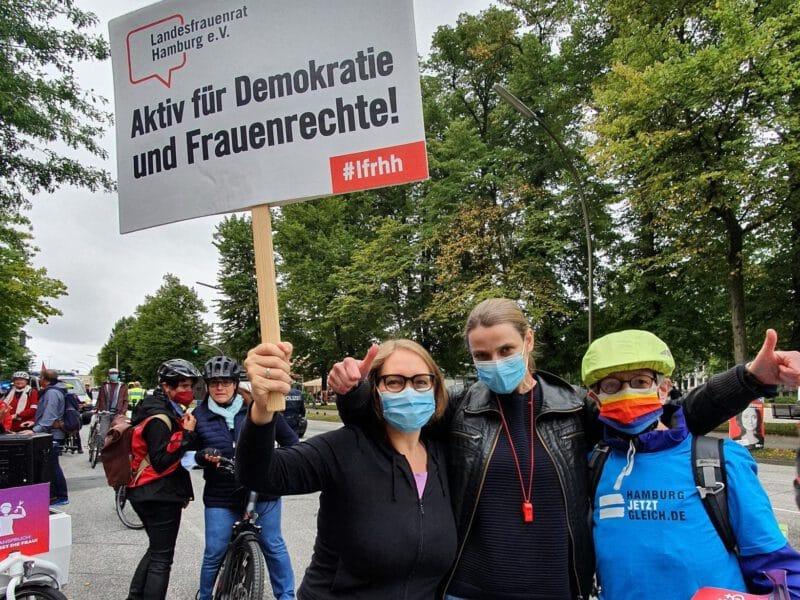 Gemeinsam mit dem DGB Hamburg auf der Straße für mehr Gleichstellung